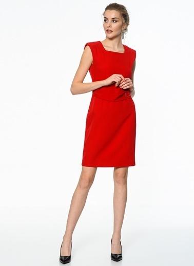 İroni Vatkalı Toka Detaylı Mini Elbise Kırmızı